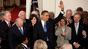 obama_at_signing_of_affordable_care_act